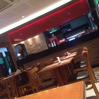 Foto tirada no(a) Mister Pizza por Michele B. em 8/7/2014