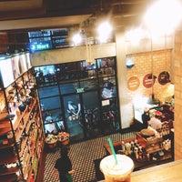3/12/2018にMo F.がStarbucks Coffee Đề Thámで撮った写真