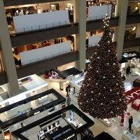 11/23/2012 tarihinde Eduard M.ziyaretçi tarafından Stockmann'de çekilen fotoğraf
