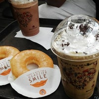 Photo taken at J.CO Donuts & Coffee by Binu Tjandrawati on 6/15/2015