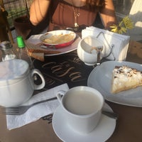 Das Foto wurde bei Café La Casa von Camila F. am 2/16/2017 aufgenommen
