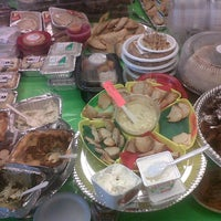 Photo taken at La Casita Delicatessen by Pineda V. on 9/20/2012