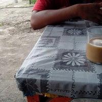 Photo taken at Akma Nasi Campur ( Kedai Mak Cik Murah ) by Raziz A. on 9/12/2013