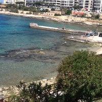 Photo prise au Gardens Sliema Sea Front par Alina  B. le4/16/2013