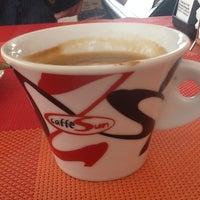 Снимок сделан в Fratelli Coffee пользователем Andrey D. 3/11/2013