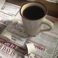 10/14/2012에 Jabe B.님이 Betty's Restaurant에서 찍은 사진