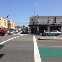 Photo taken at Starbucks by Daniel O. on 8/5/2013