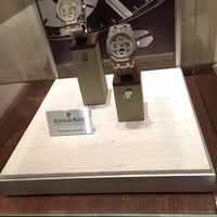 Photo prise au Audemars Piguet Boutique par Corey G. le11/7/2013
