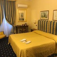 Foto scattata a Hotel Napoleon Roma da Alex S. il 2/19/2018