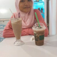 Photo taken at Rumah Ice Cream by Erma w. on 9/13/2014