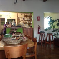 Foto tomada en Greens Organic Restaurant por mzsko el 11/7/2012