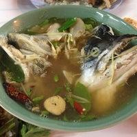 Photo taken at ต้มยำหัวปลา ผู้ใหญ่ by Sujanya T. on 5/9/2013