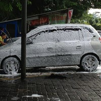 Photo taken at Arema Car Wash by Tya J. on 3/2/2013