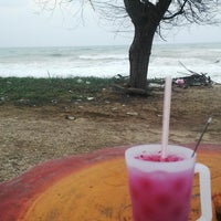Photo taken at Restoran Lempeng by Alkid luqman A. on 3/28/2016