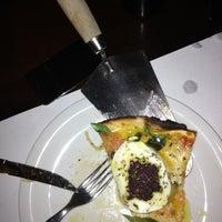 Foto tirada no(a) A Firma Pizzas por Milton C. em 12/8/2012