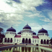 Photo taken at Masjid Raya Baiturrahman by Desy A. on 11/22/2012