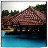 Photo taken at Swimming Pool Kristal Hotel by SweetySnake on 5/31/2013