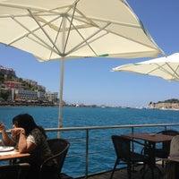 Foto tirada no(a) Cafe Port Bistro por Logan W. em 6/6/2013