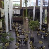 Foto diambil di Merah Putih Restaurant oleh Arjuuna A. pada 3/18/2013
