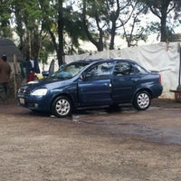 Photo taken at Lavado de Autos Optimus by Krls O. on 9/30/2012