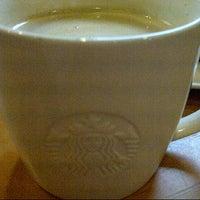 Das Foto wurde bei Starbucks von Christine K. am 12/7/2012 aufgenommen