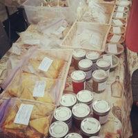 Photo prise au Urban Harvest Farmers Market par Kale P. le8/24/2013