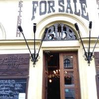 Снимок сделан в For Sale Pub пользователем Suhail H. 10/16/2012