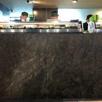 Foto tomada en Sushi Roll por Rocio A. el 8/31/2018