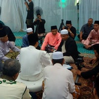 Photo taken at Masjid Al-Hidayah by Azril H. on 1/4/2013