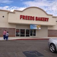 Снимок сделан в Freed's Bakery пользователем David P. 8/31/2013