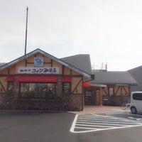 Photo taken at Komeda's Coffee by Ji W. on 3/18/2014