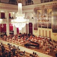 Снимок сделан в Филармония им. Д. Д. Шостаковича. Большой зал пользователем Gu N. 10/20/2012