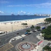 Foto tirada no(a) Hilton Copacabana por Zach B. em 2/25/2018