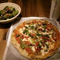 รูปภาพถ่ายที่ Pizzeria Locale โดย Josh B. เมื่อ 10/29/2014