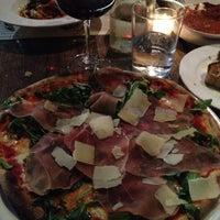 Photo prise au Pizzeria Il Fico par Prince V. le5/4/2013
