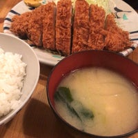 Photo taken at とんかつ かつ屋 by にぶ m. on 3/28/2017
