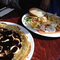 6/11/2014 tarihinde Jessica S.ziyaretçi tarafından Café Tapas Bar'de çekilen fotoğraf