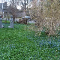 Photo taken at The Blue Lawn - Rosedale by Andy H. on 5/1/2014
