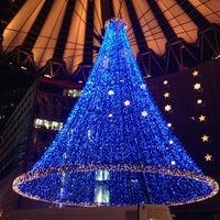 Das Foto wurde bei Sony Center von kazunori m. am 12/15/2012 aufgenommen