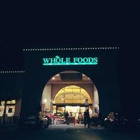 Foto tomada en Whole Foods Market por Rafael O. el 2/17/2013