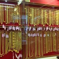 Photo taken at Thong Yaowaraj Goldsmith by Kitty J. on 2/16/2014