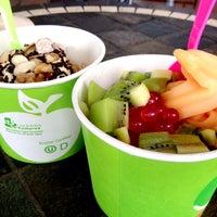 Photo taken at Green Apple Self Serve Frozen Yogurt by Nathalie C. on 6/16/2013