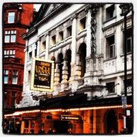 Foto tomada en Vaudeville Theatre por Tanya B. el 11/4/2012