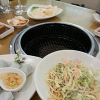 Photo taken at H3 Hotpot & Grill by Huang W. on 10/28/2012