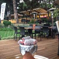10/18/2013 tarihinde Cem D.ziyaretçi tarafından Et Mekan Steak House & Nargile Cafe'de çekilen fotoğraf