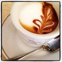 Foto scattata a Caffè Concerto Paszkowski da Baroncia K. il 9/16/2012