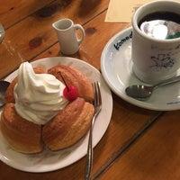 Photo taken at Komeda's Coffee by Yoshio O. on 2/7/2015