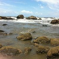 Photo taken at Praia do Sonho by Pamella B. on 1/22/2013