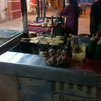 Photo taken at Ramlee Burger by Gmie D. on 9/11/2013