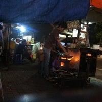 Photo taken at Bakmi dan Nasi Goreng Batas Kota by Theodulus Vikko A. on 4/15/2013